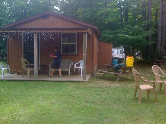 Forest Ridge Campground & Cabins: our cabin
