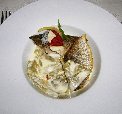 Restaurant Aux Caprices de Caroline : Menu Plaisir: main course (fish)