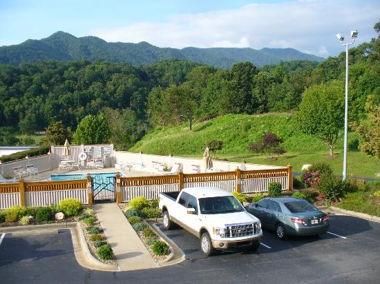 Best Western Smoky Mountain Inn: View from the balcony