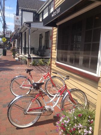 Point Breeze Bed & Breakfast: Biking Around St. Michael's