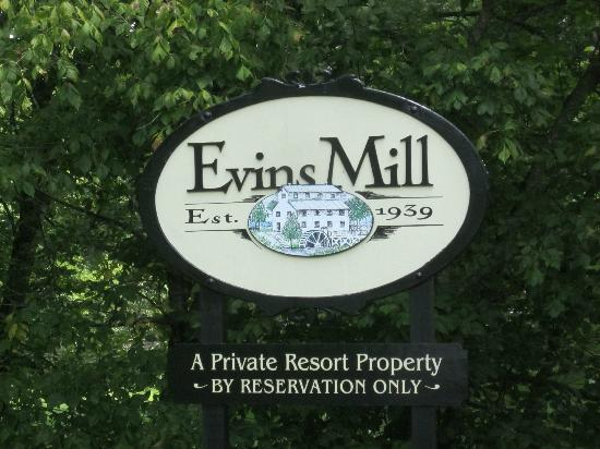 Evins Mill: Entrance for the Inn