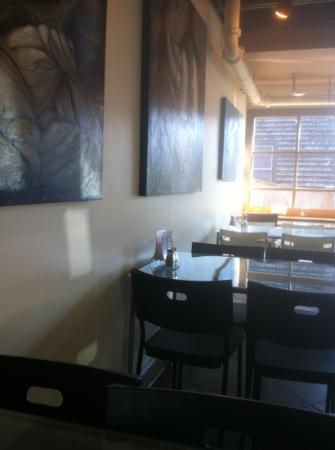 Frappo66: dining room