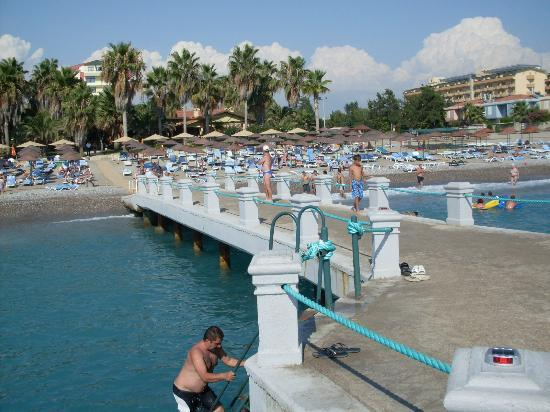 Meryan Hotel : Strand Blick vom Bootssteg