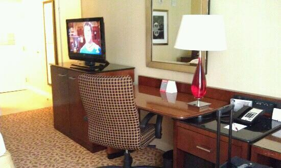 Atlanta Marriott Buckhead Hotel & Conference Center: Room 336