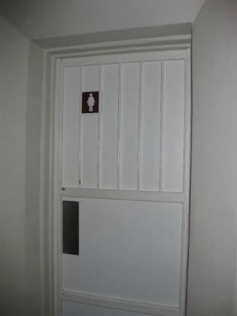 監獄住宿公寓照片