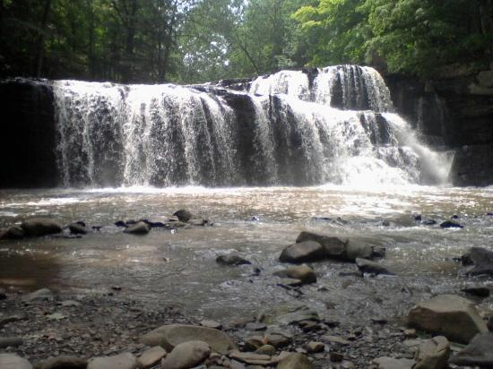 Athens, Virginia Occidental: Brush Creek Falls ~ July