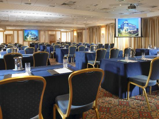 أوكالاجان ألكسندر: Conference facilities