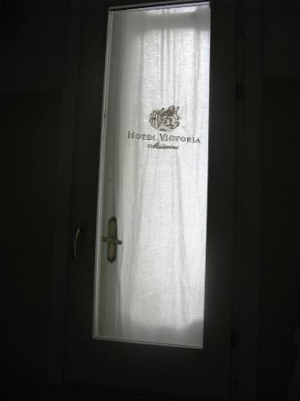 Victoria Maiorino: particolare finestra bagno