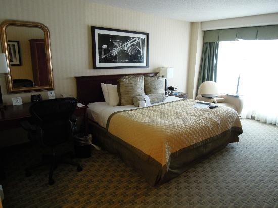 Wyndham Cleveland at Playhouse Square: Room