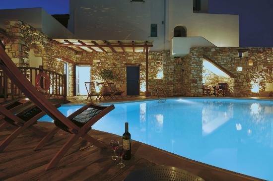 Aloni Hotel: swimming pool