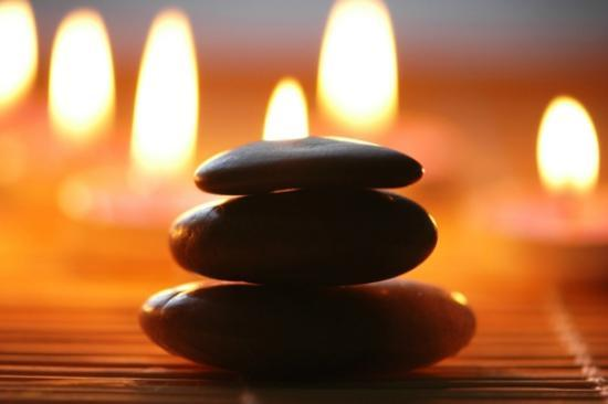 GLŌ Massage Therapy: Relax