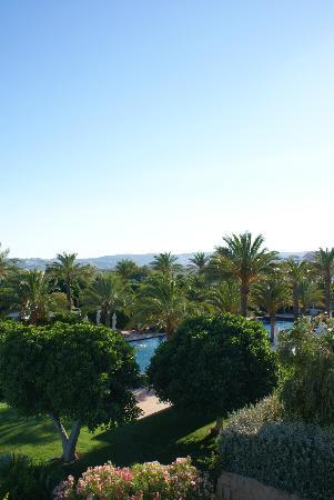 Finca Cortesin Hotel Golf & Spa : view with pool