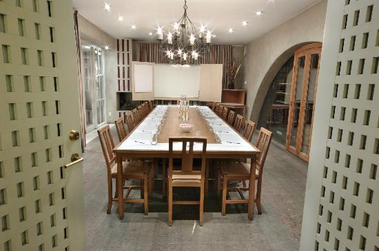 Villa Kallhagen: Wine Cellar