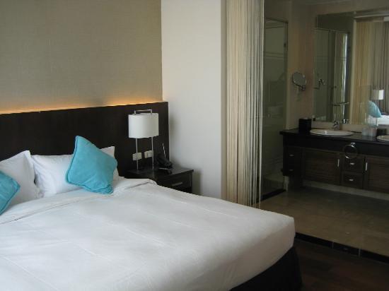 Fraser Suites Hanoi: Bed