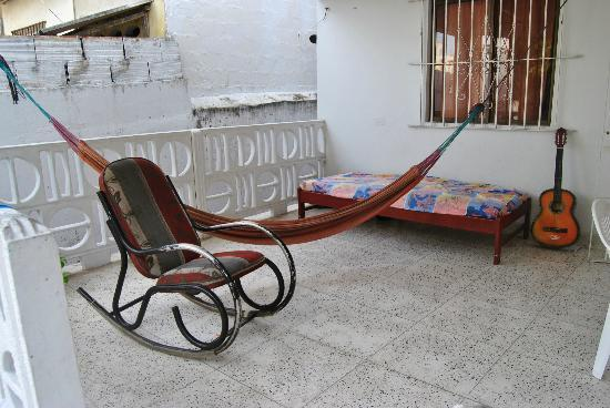 The Meeting Point Hostel : terrace