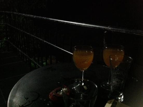 Oak Wood Inn Kandy Hotel: bar