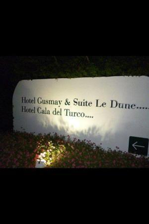 Gusmay Resort - Hotel Gusmay & Suite Le Dune: ingresso