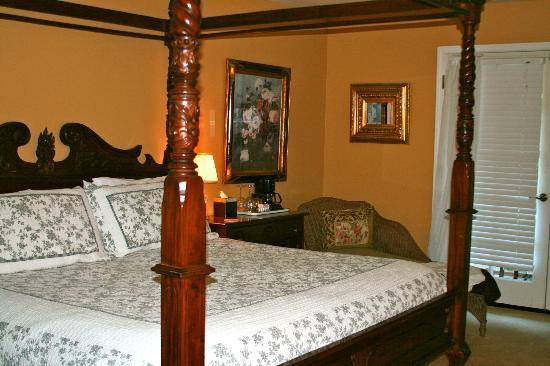 Mirabelle Inn: Room 9