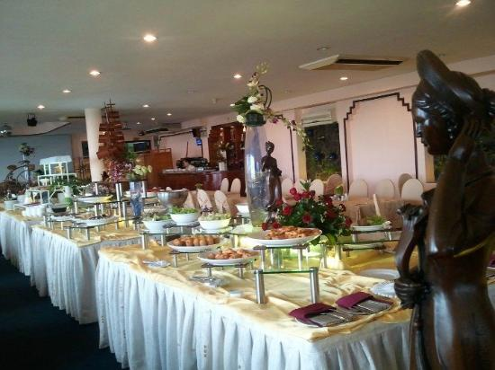 Oscar Saigon Hotel: Good selection