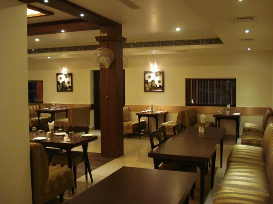 Honeydew Restaurant: dining area