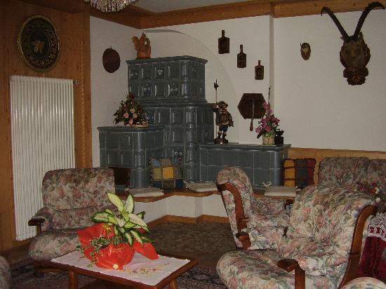 Una sala - Picture of Blumenhotel Belsoggiorno, Malosco - TripAdvisor