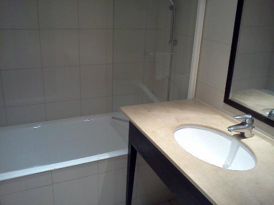 Hotel Mercure Montpellier Centre Antigone: Doccia