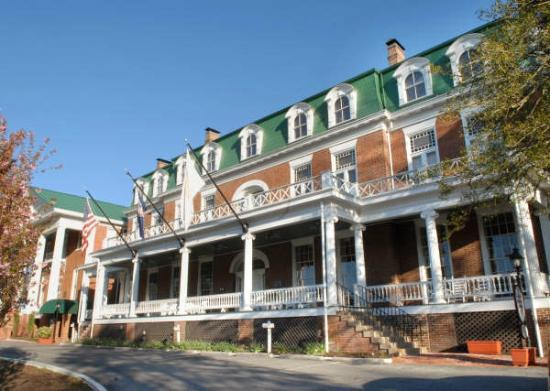 The Martha Washington Inn and Spa: front 2