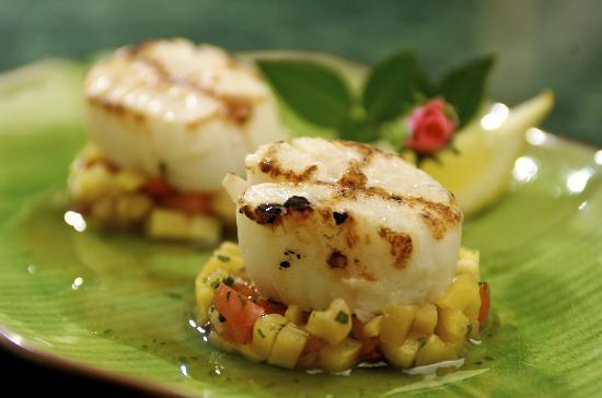 Step'N Out Sur Le Boulevard: Grilled Digby Scallops