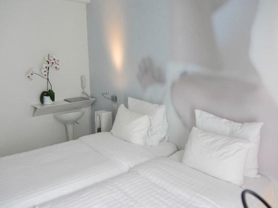 โรงแรมเบแอลเซ ดีไซน์: Room