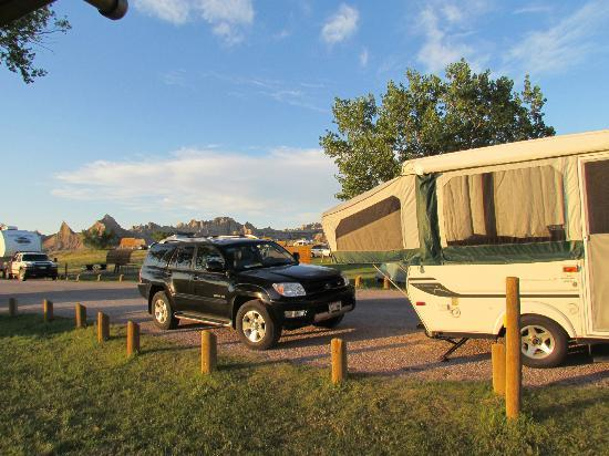 Cedar Pass Campground: Campers set up along the road