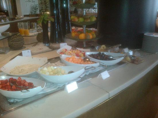 Sheraton Porto Hotel & Spa: buffet petit déjeuner