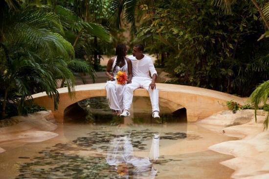 Fiesta Americana Condesa Cancun All Inclusive Wedding Photo In The Hallway To Rooms
