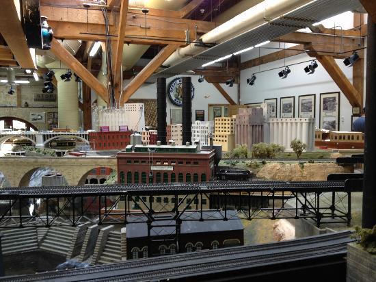 Twin City Model Railroad Museum: Recreation of Minneapolis