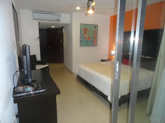 Hotel Bambu Suites: cuarto