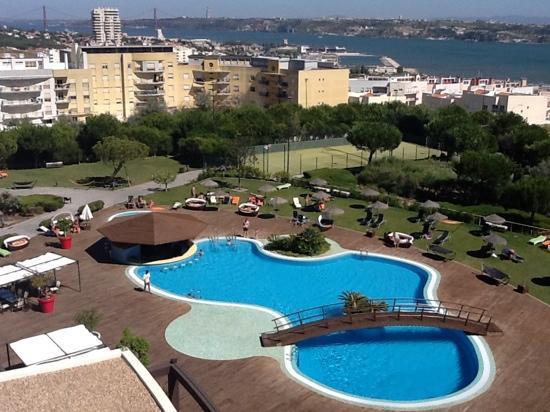 Solplay Hotel de Apartamentos: vista a la piscina desde la habitacion