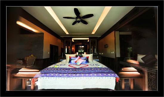 อมตราปุระ พูลวิลล่า: Une chambre d'une villa