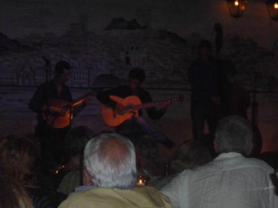 Café Luso : fado in action