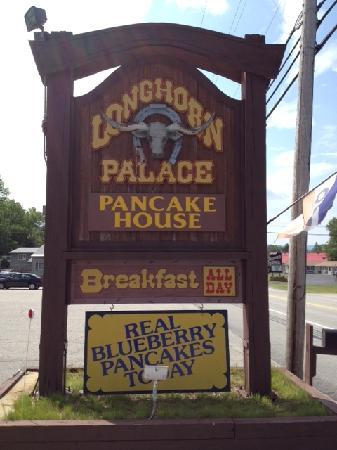 Longhorn Palace sign