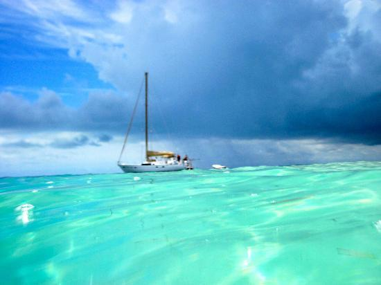 Sail to Bahamas Day Charter : Amazing water and sky come and see for yourself
