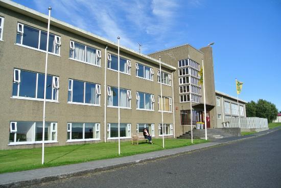 Hotel Edda Skogar: Main hotel building - former school