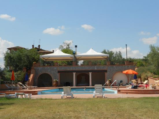 Locanda Poggioleone: la piscina