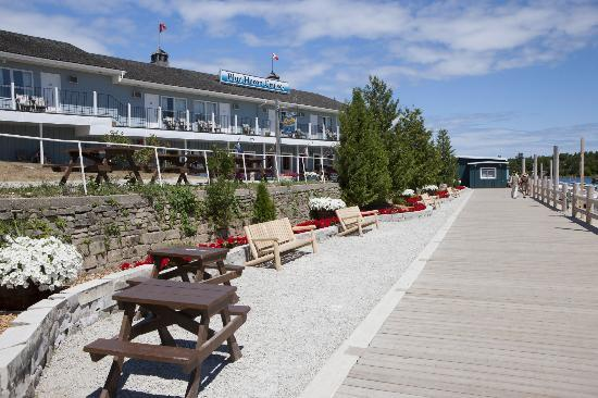 Newly Renovated Boardwalk on Little Tub Harbour with the Harbourside Motel in the background.