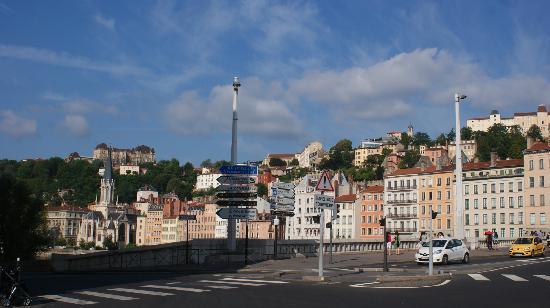 B4 Lyon: Lyon View