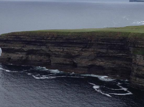 B&B The Yellow Rose: The 600 foot high (Not) Cliffs of Moher right down the road