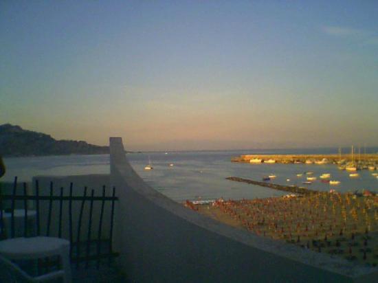 Hotel Sporting Baia: spiaggia tramonto
