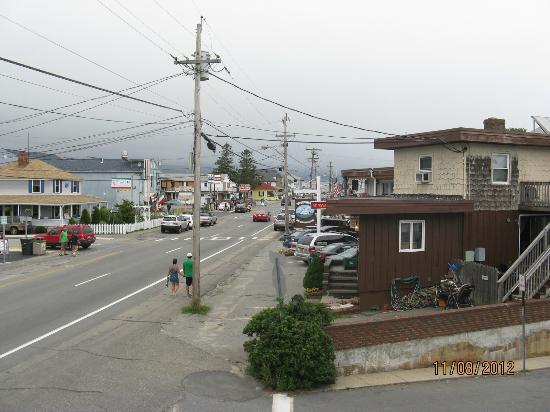 Drift Resort: Maine street view from the balcony
