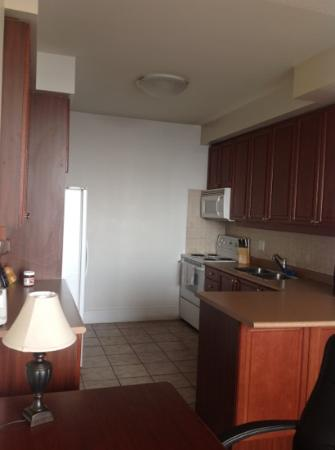 Pelican Suites: kitchenette
