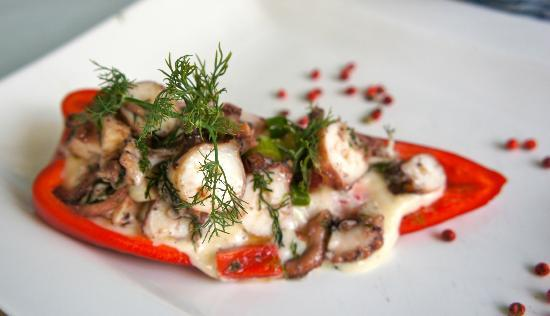 Can Oba Restaurant: Octopus stuffed in a red pepper