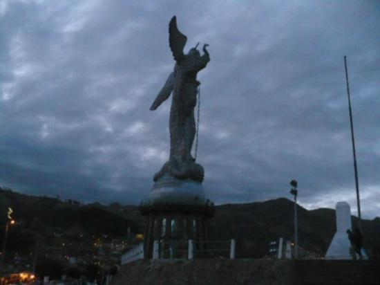 La Virgin del Panecillo: La Virgin