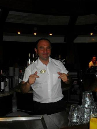 Hotel Ideal Pearl: the best barman you'll ever meet